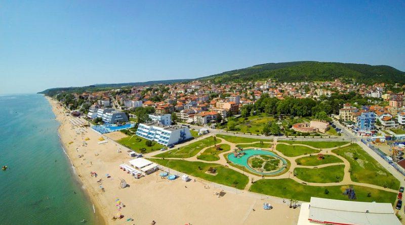 Централен плаж в Обзор